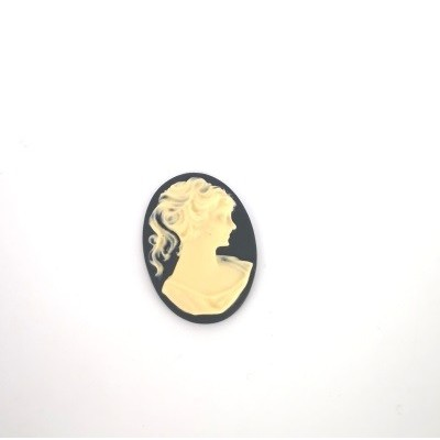 Female figure cameo